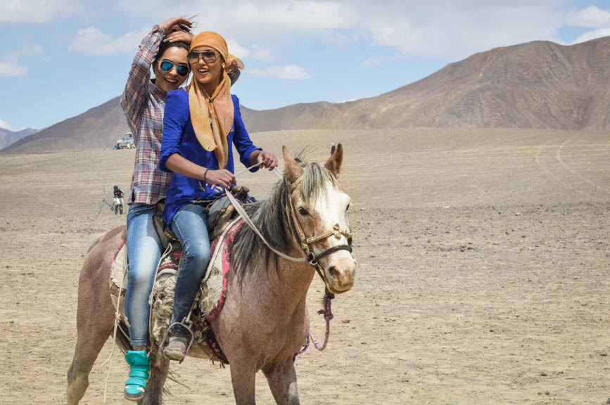 fashionistas on horse